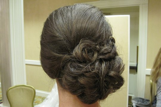 side-looped-bun-bridal-updo-by-meleah