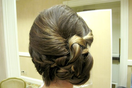 side-updo-bridal-by-meleah