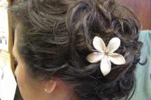 wedding-hair-by-meleah-bridal-messy-updo-with-flower-52